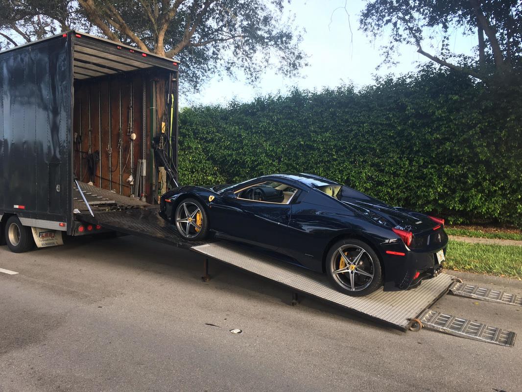 Ferrari 458 Italia Enclosed Carrier