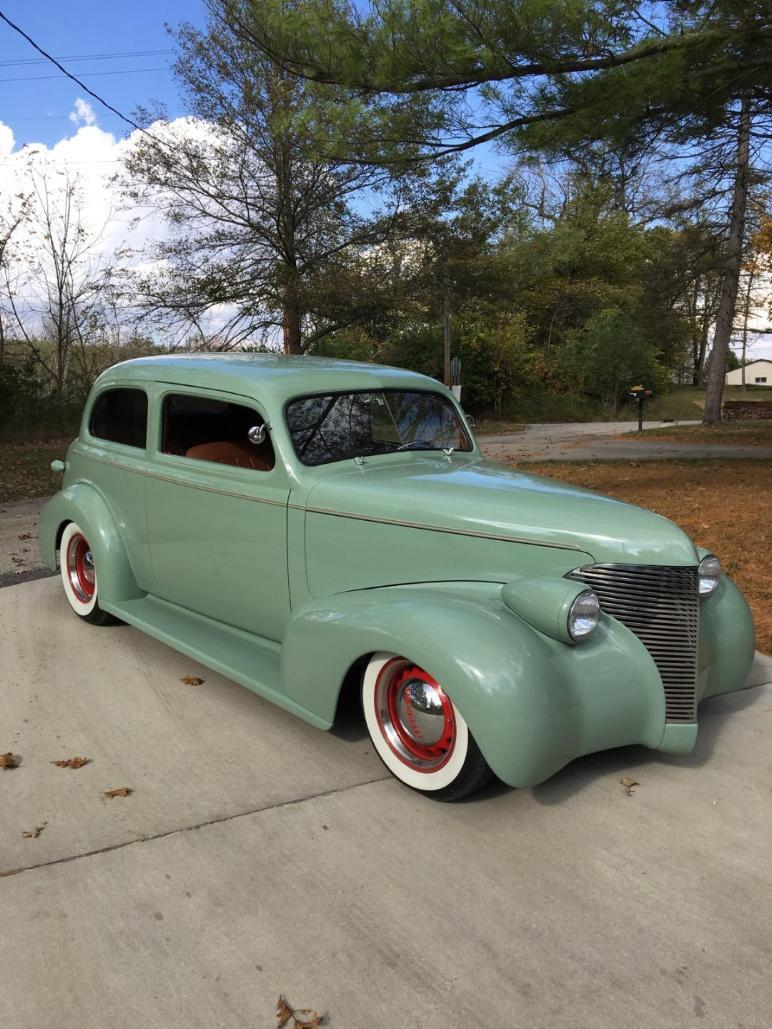 1939 Chevy Street Rod Enclosed Carrier